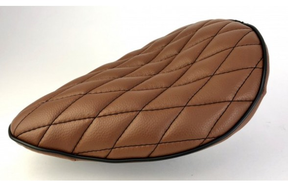 Board Tracker Saddle brown with black diamand seams